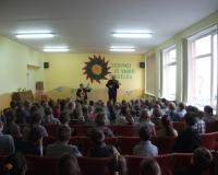 Muzikos pamoka su smuiku ir gitara